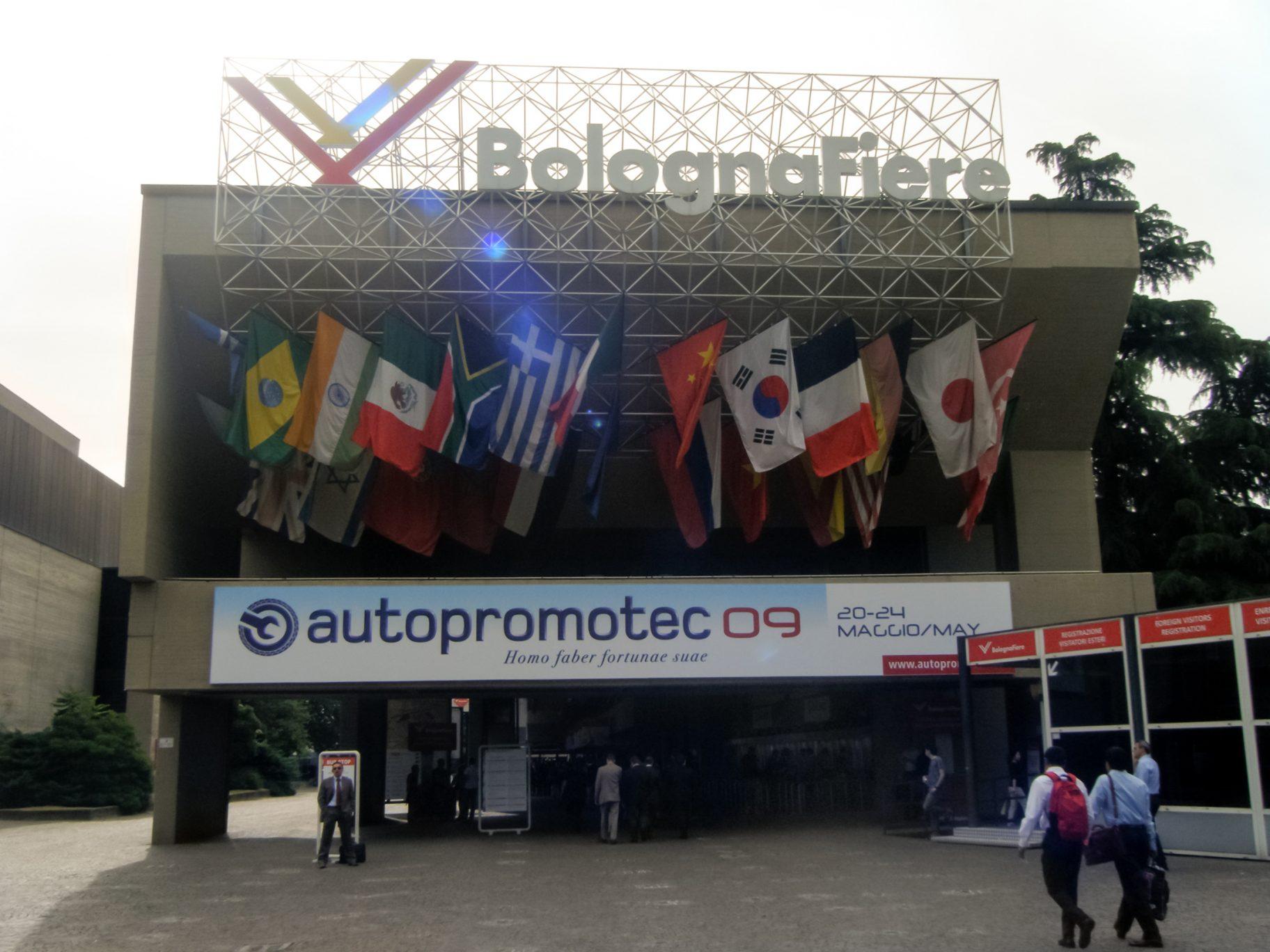 Autopromotec-fiera-2009-Entrata