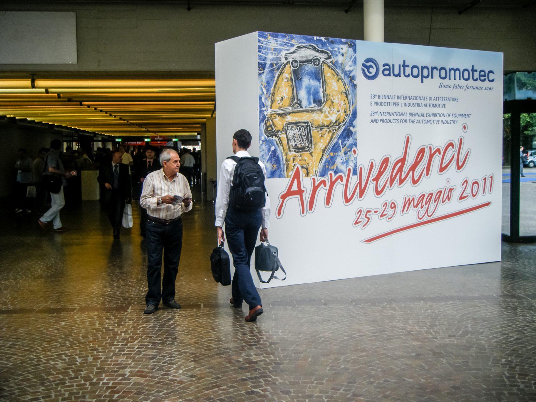 Autopromotec-fiera-2009-cartellonistica 02